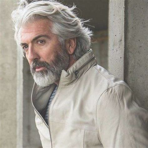 42 Hairstyles for Men with Silver and Grey Hair - Men