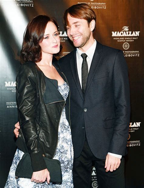 Alexis Bledel and Vincent Kartheiser's Road to Baby: Love