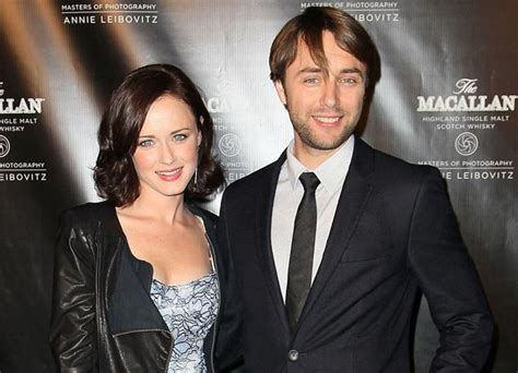 Alexis Bledel Height Weight Body Statistics - Healthy Celeb