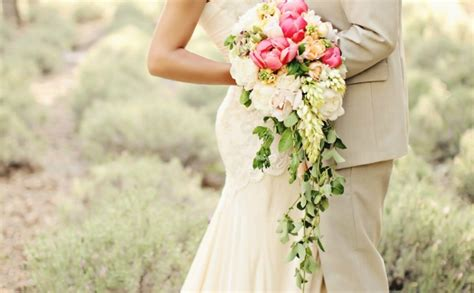 5 styles of classic bridal bouquets
