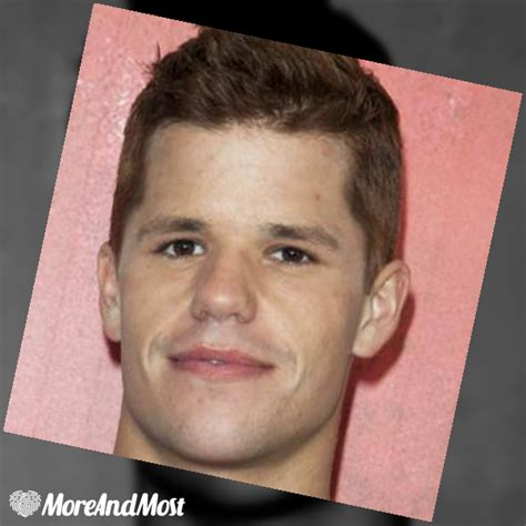 Mis mejores fotos ( Charlie Carver )   More And Most